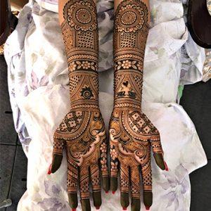 10 Rockstar Mehendi Artist You Must Follow for your henna Inspo!, Artist 1 Maharani