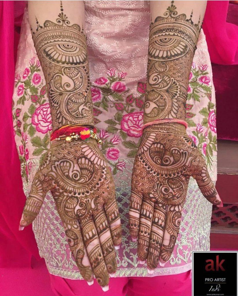 10 Rockstar Mehendi Artist You Must Follow for your henna Inspo!, Ash kumar 1