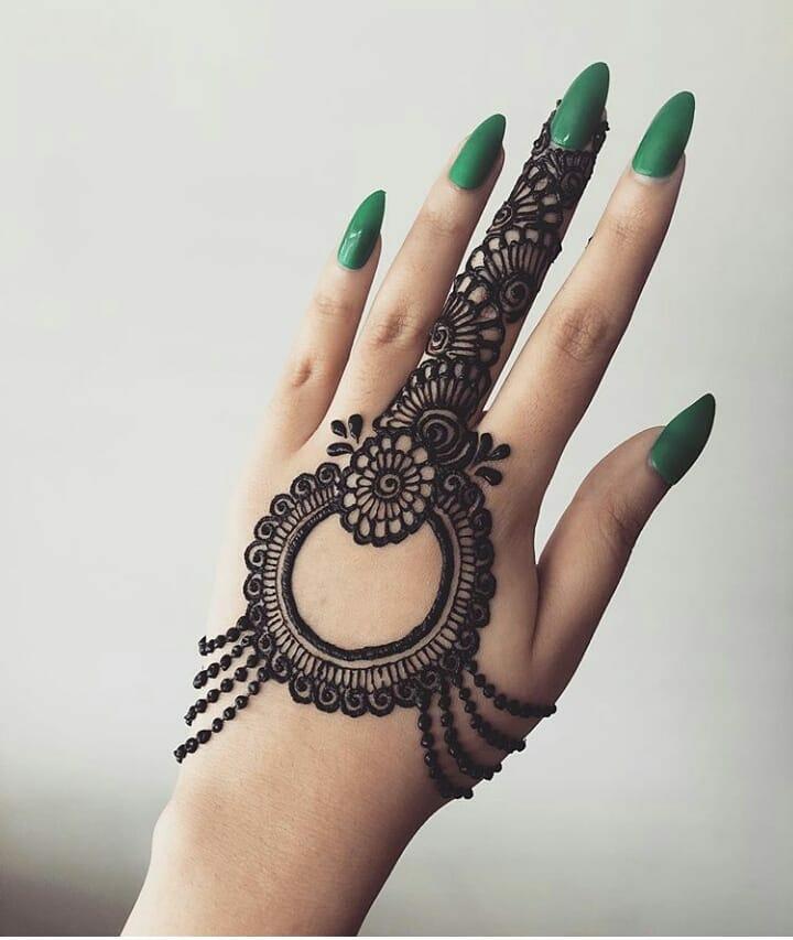20+ Best Mehndi Designs for Bridesmaids!, Back of the hand mehndi design 1