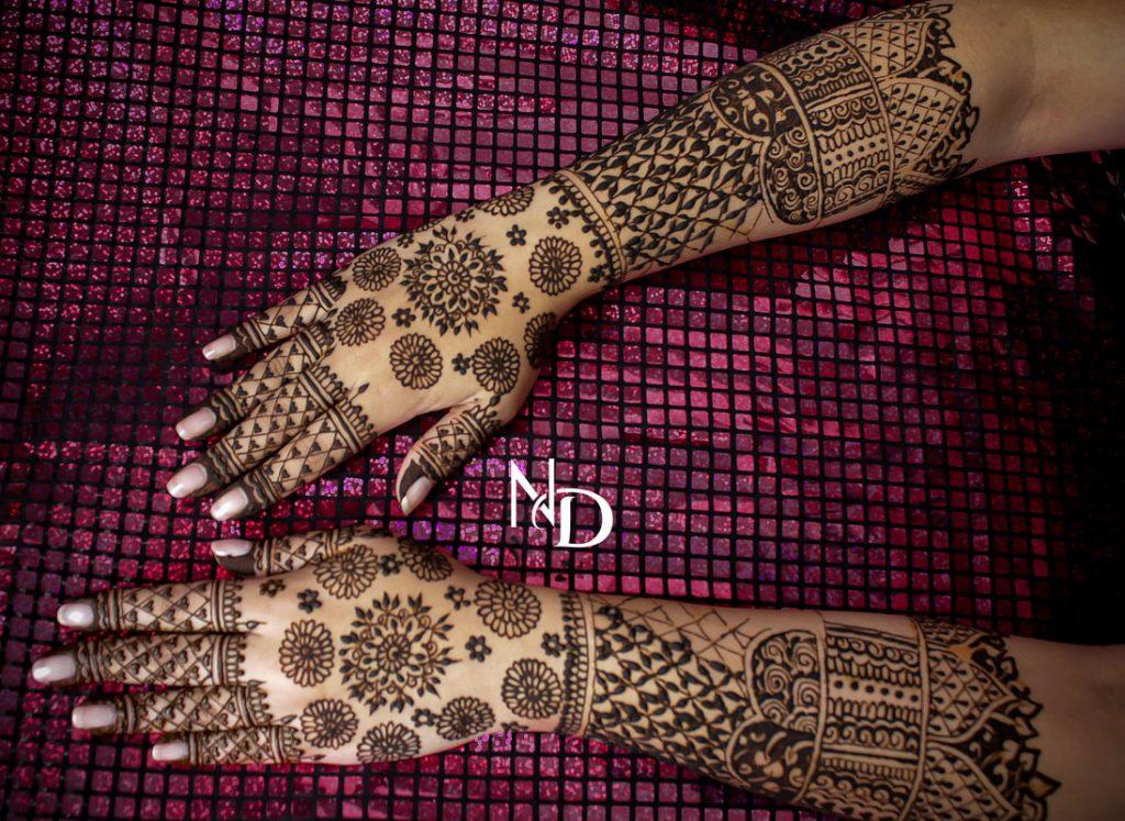 20+ Amazing Floral Mehendi Designs, Full Flower Back Hand Design