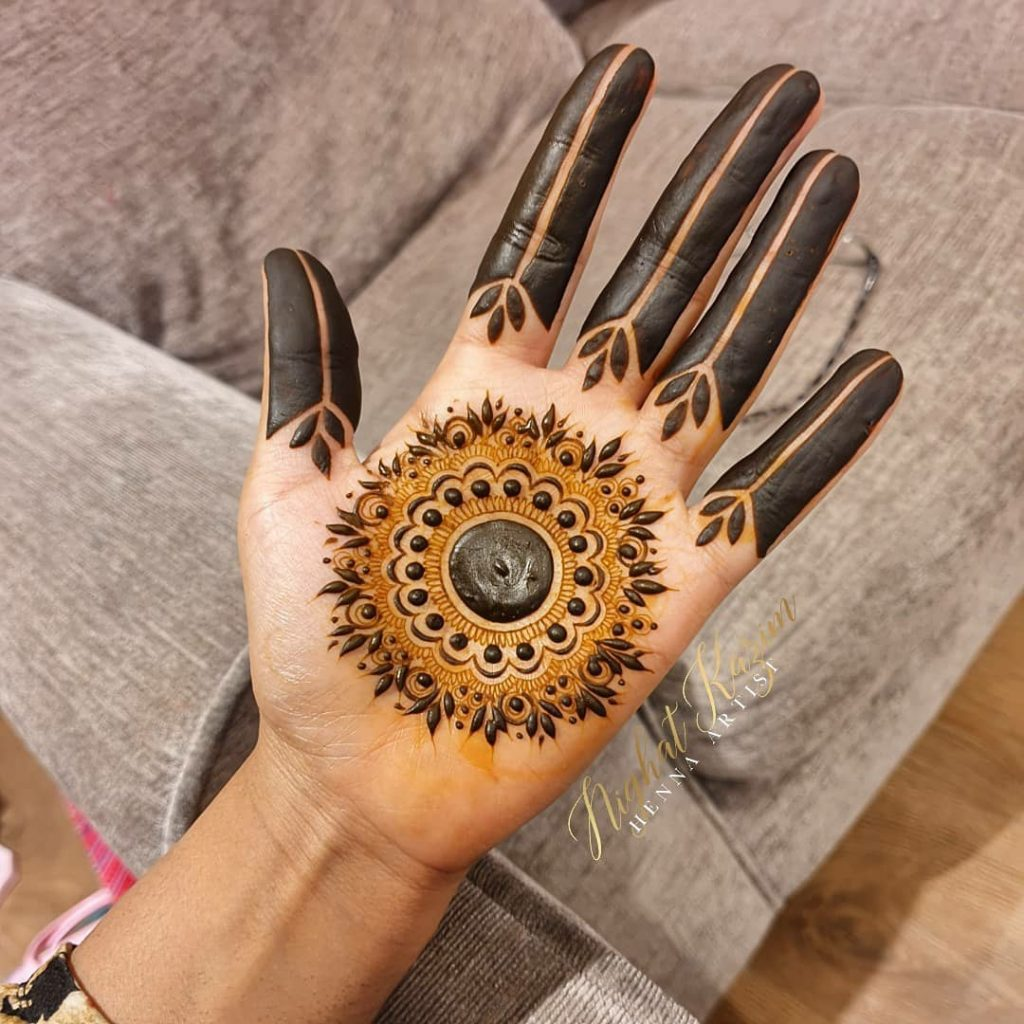 20+ Best Mehndi Designs for Bridesmaids!, Mandala Design with cut finger