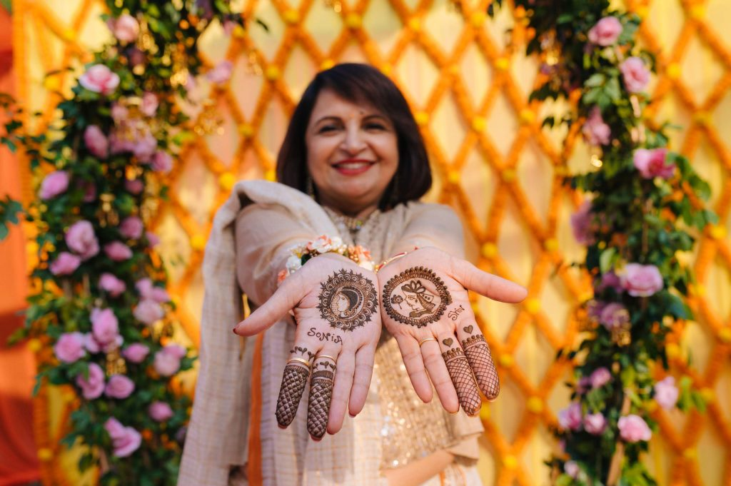 Perfectly Planned NRI Wedding of Punjabi Couple- Gurpreet & Shiv, Mehandi SIM 3890