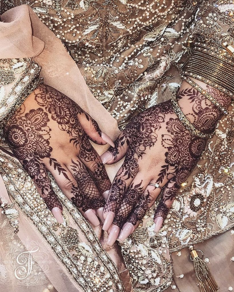 10 Rockstar Mehendi Artist You Must Follow for your henna Inspo!, Nisha Hussain 2