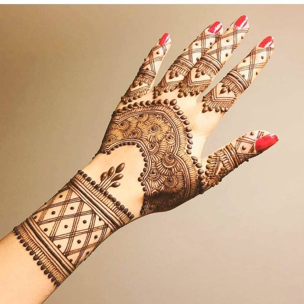 20+ Best Mehndi Designs for Bridesmaids!, Simple bridesmaids designs