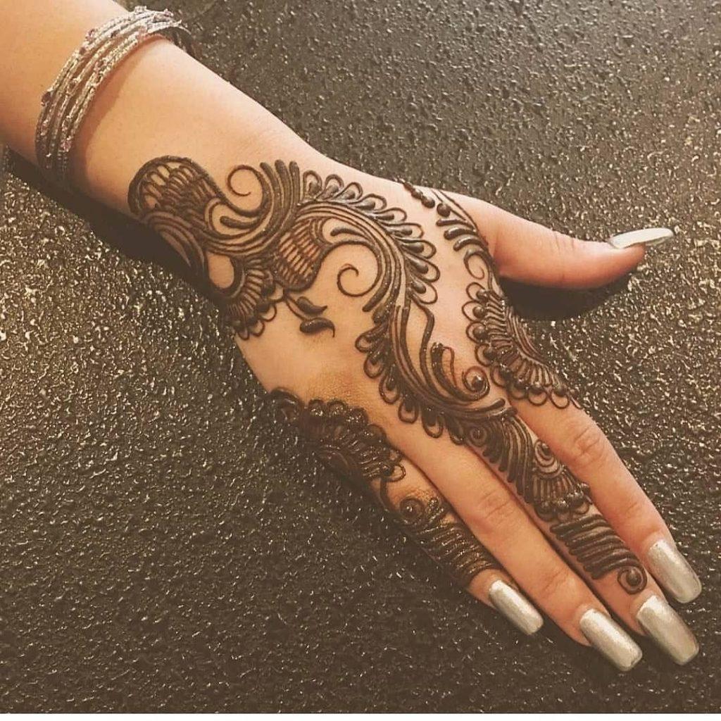 20+ Best Mehndi Designs for Bridesmaids!, Simple bridesmaids designs1