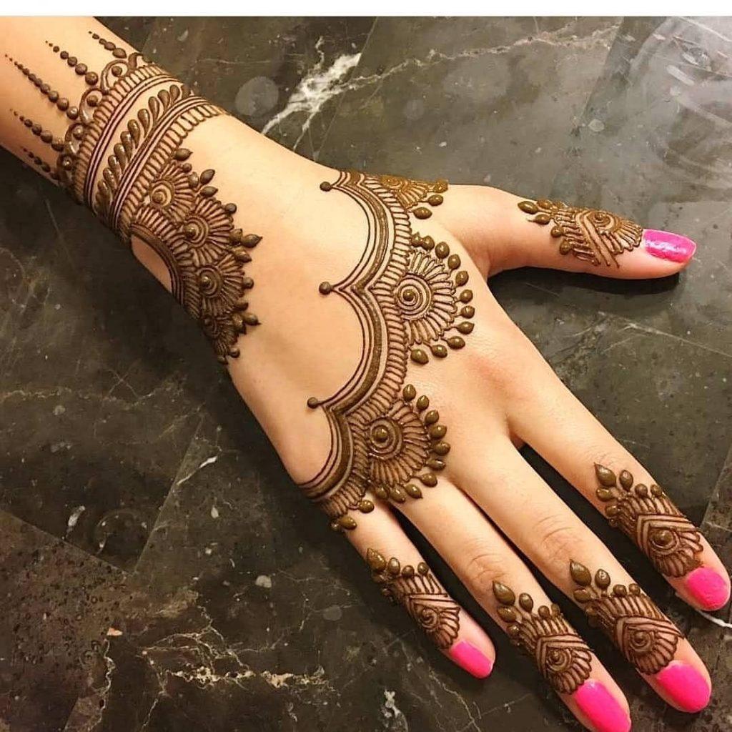 20+ Best Mehndi Designs for Bridesmaids!, Simple bridesmaids designs2