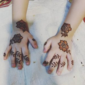 15+ Unique Mehendi Designs for Kids Hands– Check Out Now!, Small Flowers all over