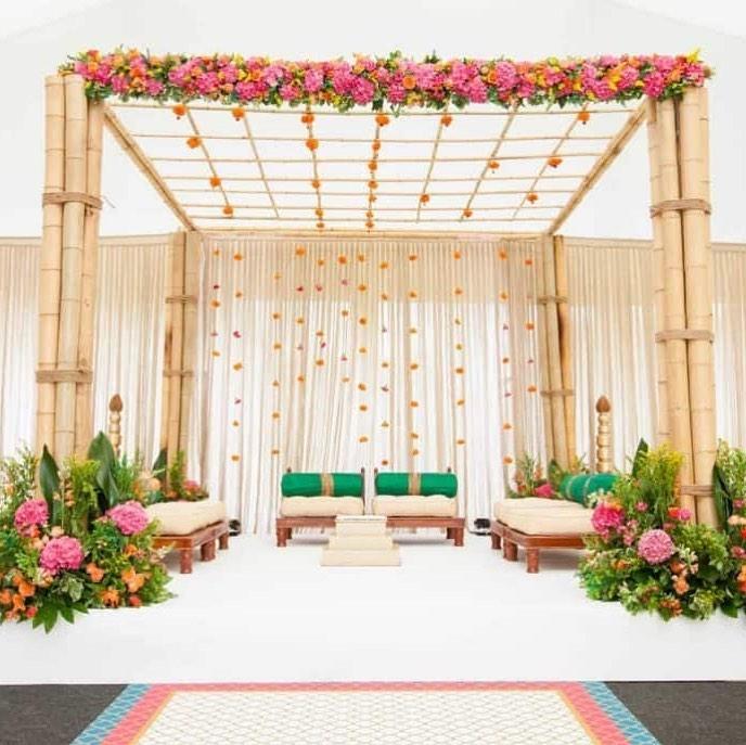 16 Beautiful Indoor Mandap Decor Ideas, 17