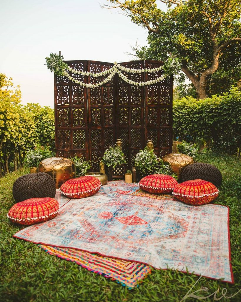 13 Stunning Backyard Decor Ideas for Intimate Weddings, 2