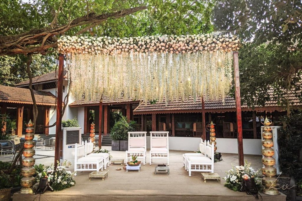 13 Stunning Backyard Decor Ideas for Intimate Weddings, 3 1
