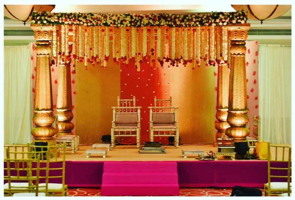 16 Beautiful Indoor Mandap Decor Ideas, 4 3