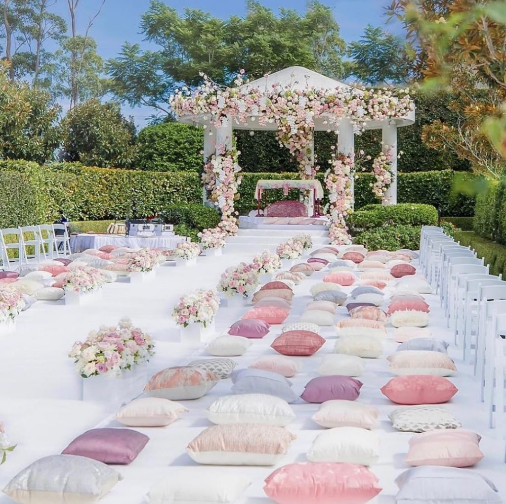 13 Stunning Backyard Decor Ideas for Intimate Weddings, 5 1