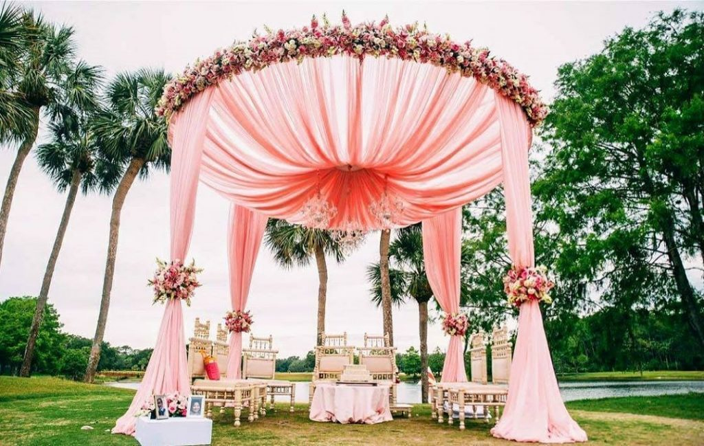 13 Stunning Backyard Decor Ideas for Intimate Weddings, 6