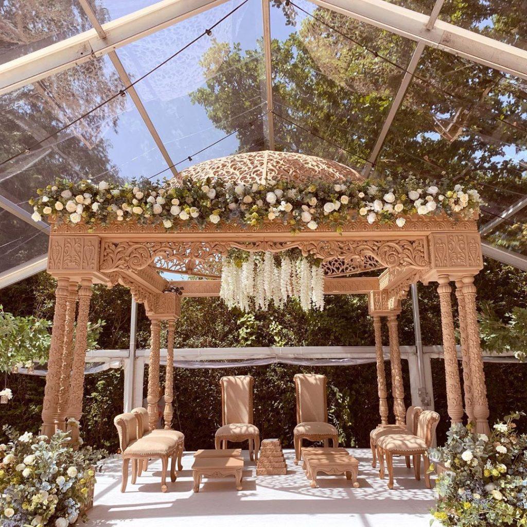 16 Beautiful Indoor Mandap Decor Ideas, 9 2