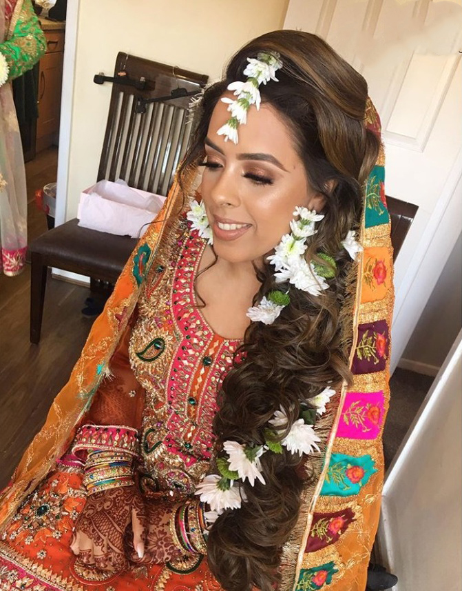 pakistani mehndi bridal hairstyle and look