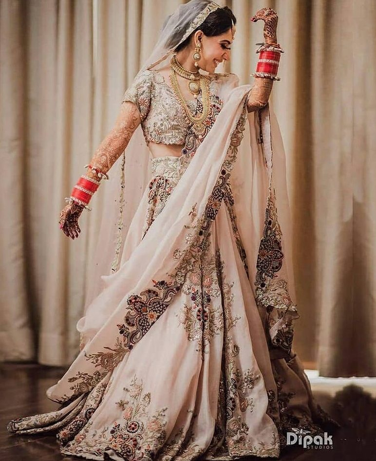 Top Indian Designer Every Bride Has To Know Before Finalising Her Bridal Outfits, anamikakhannabridal anamikakhannabridal 15955885983122 1 e1596875278947