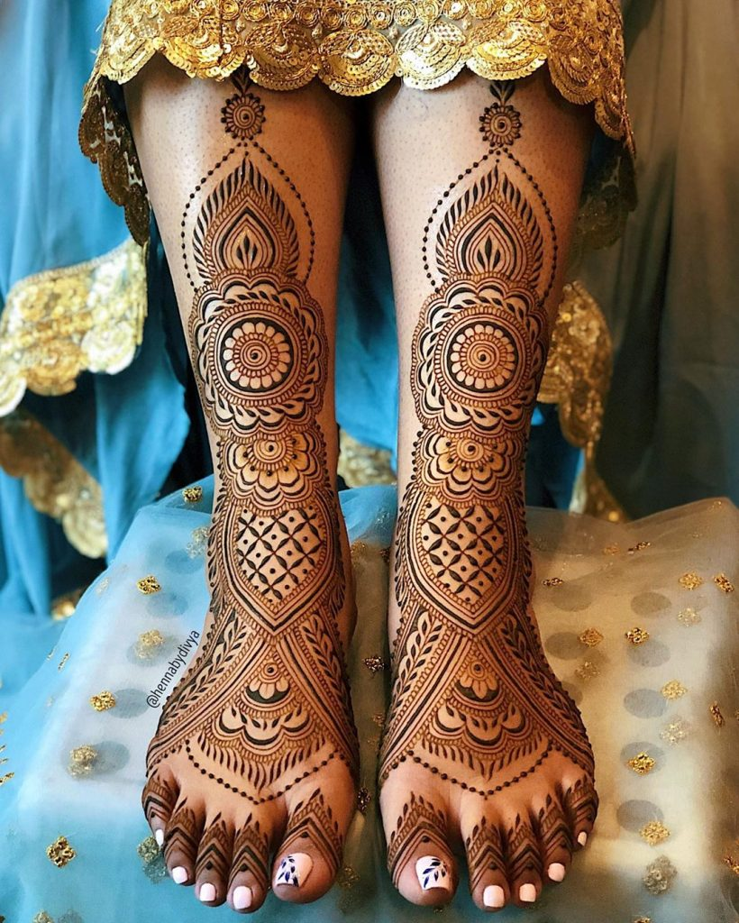 24 Amazing Feet Mehendi Designs for Brides, 13. Full Leg Detailed Mehendi