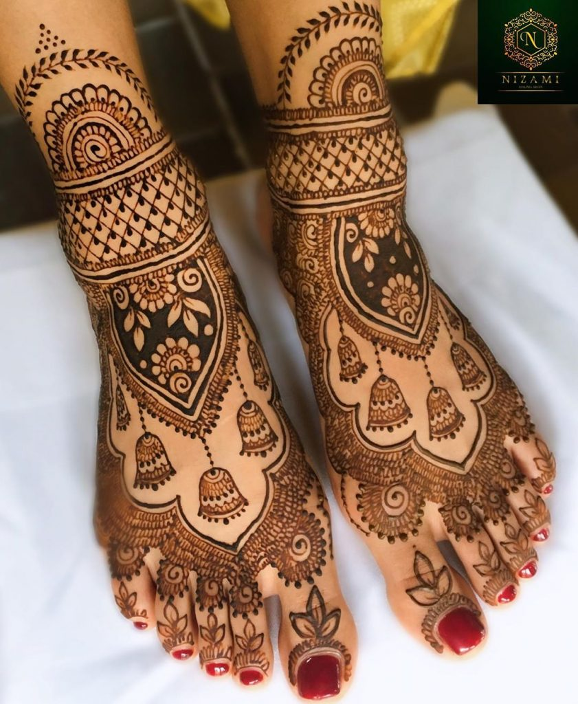 24 Amazing Feet Mehendi Designs for Brides, 15. Jumkha Design