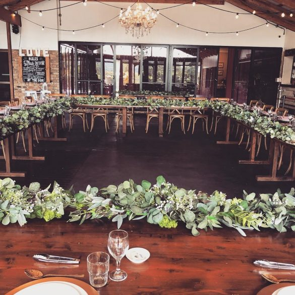 Everything You Need to Know about Floral Decor for Glamorous Wedding Venue, C 4