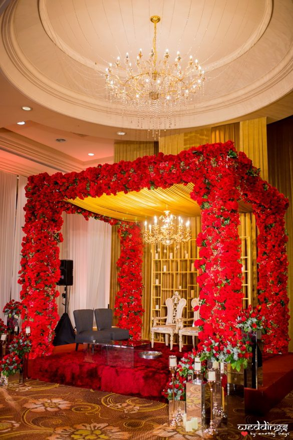 Everything You Need to Know about Floral Decor for Glamorous Wedding Venue, M 4 1