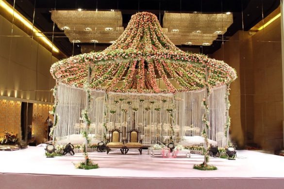 Everything You Need to Know about Floral Decor for Glamorous Wedding Venue, M 4