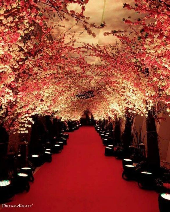Everything You Need to Know about Floral Decor for Glamorous Wedding Venue, P 1 2