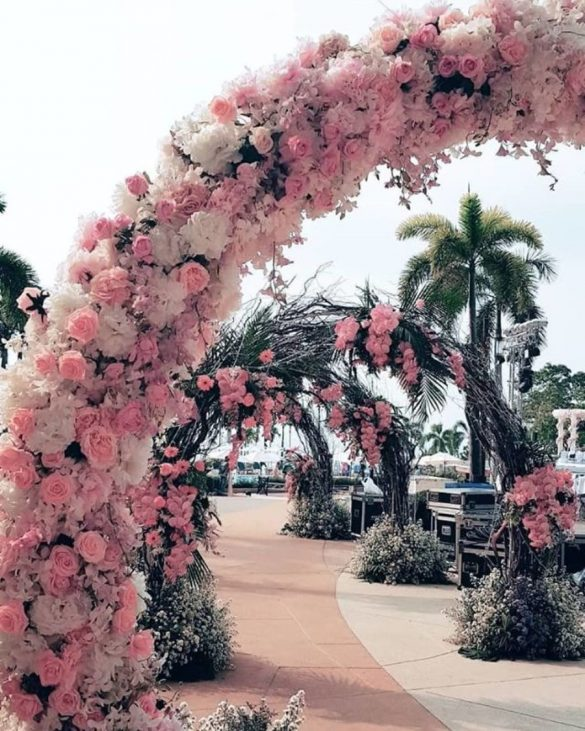 Everything You Need to Know about Floral Decor for Glamorous Wedding Venue, P 3 1