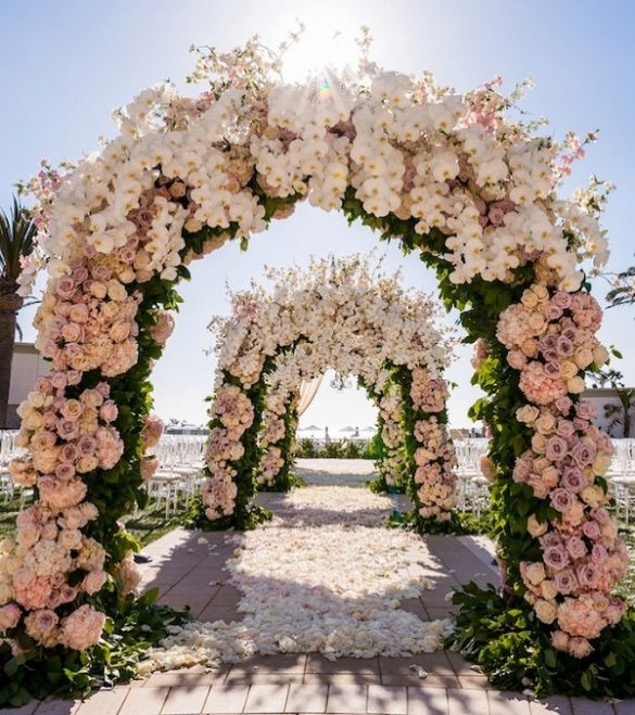 Everything You Need to Know about Floral Decor for Glamorous Wedding Venue, P 5 1
