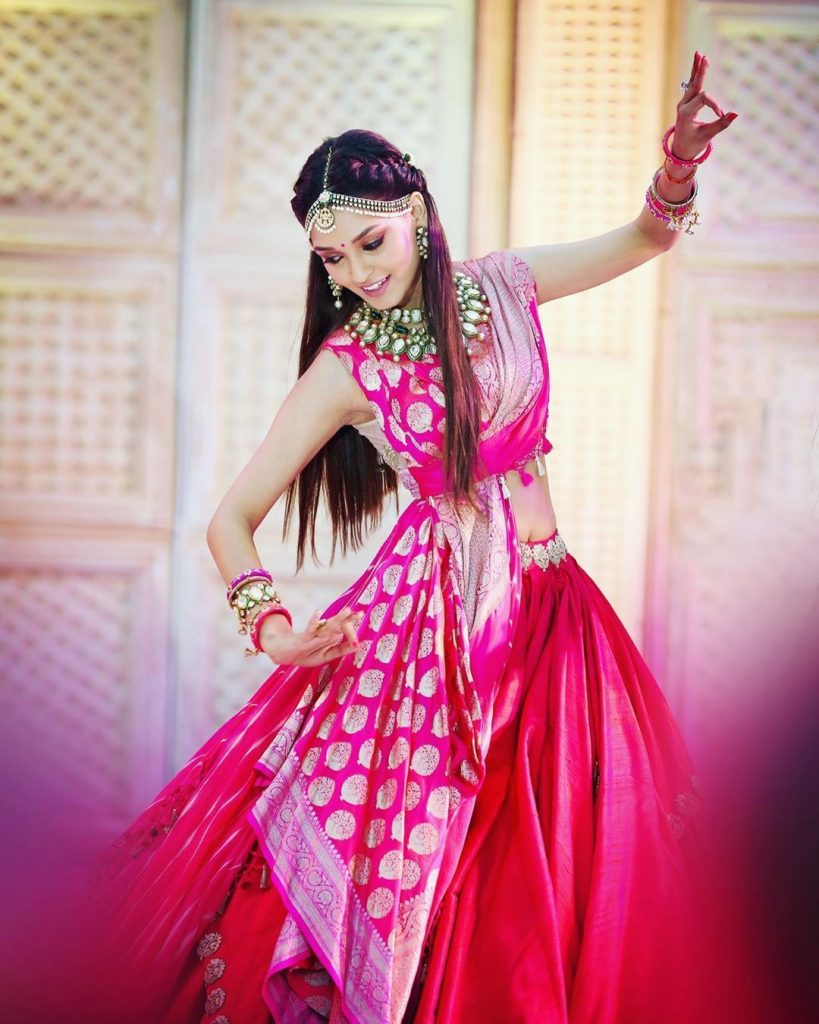 Real Brides Who Rocked In Off-Beat Mehendi Outfits You Have Never Seen Before!, PINK2 1