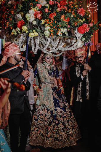Super Sassy and Glam Punjabi Wedding of Silvy and Yatin, d