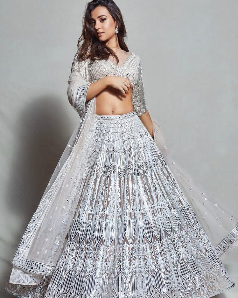 22 Trending Bridal Monochrome Lehenga That Took Internet By Storm, falgunishanepeacockindia 1596374243917