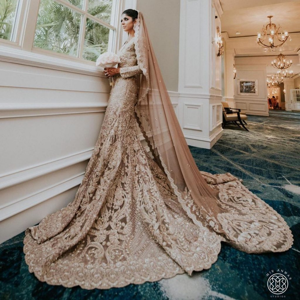 20 Gorgeous Bridal Trail Lehengas and Gowns That Made Our Jaws Drop!, farazmanan 1596775681401