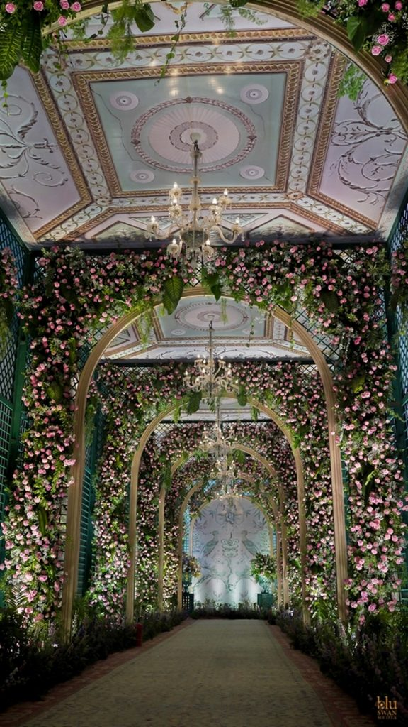 Trending Walkway Decor Ideas that could be the Oomph Factor of Your Wedding, image 1