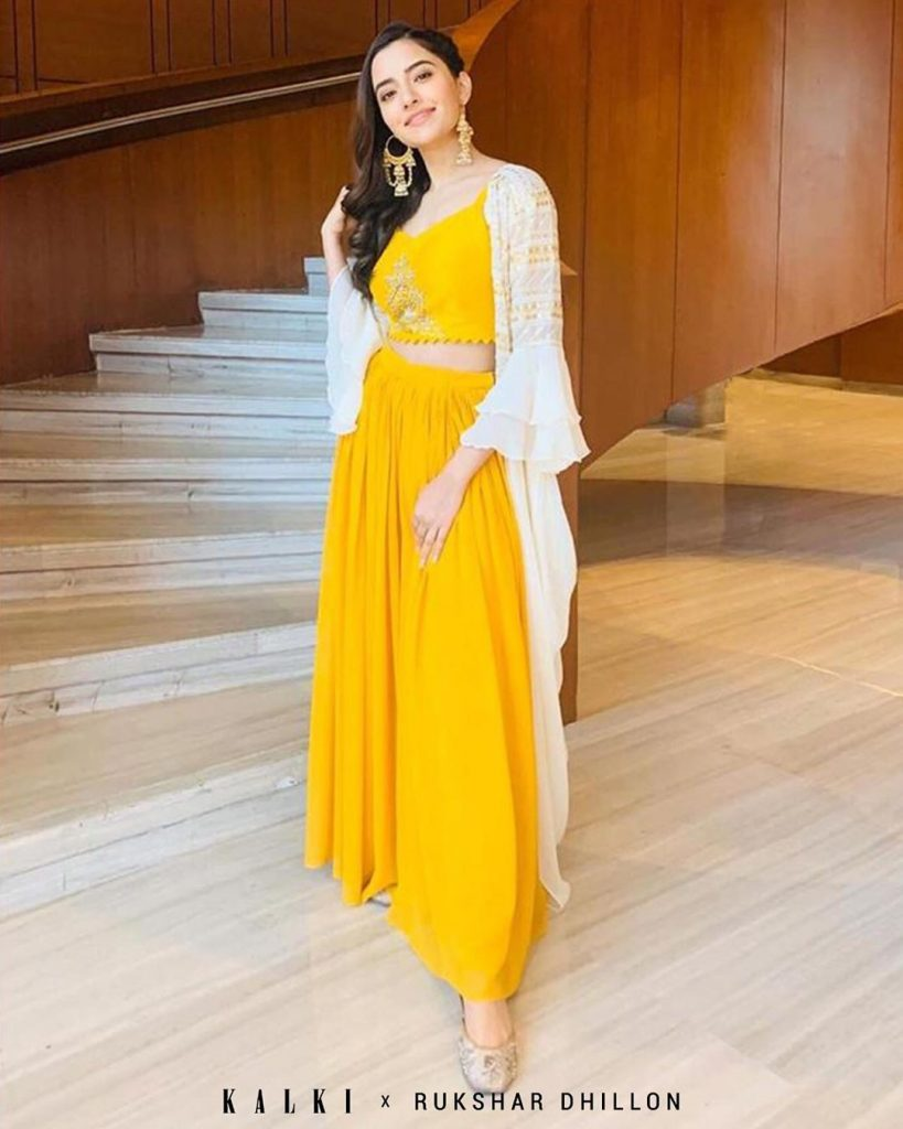 Bridesmaid! You Have To Check Out This Absolutely Stunning Bridesmaid Outfits, kalkifashion kalkifashion 15984320597431