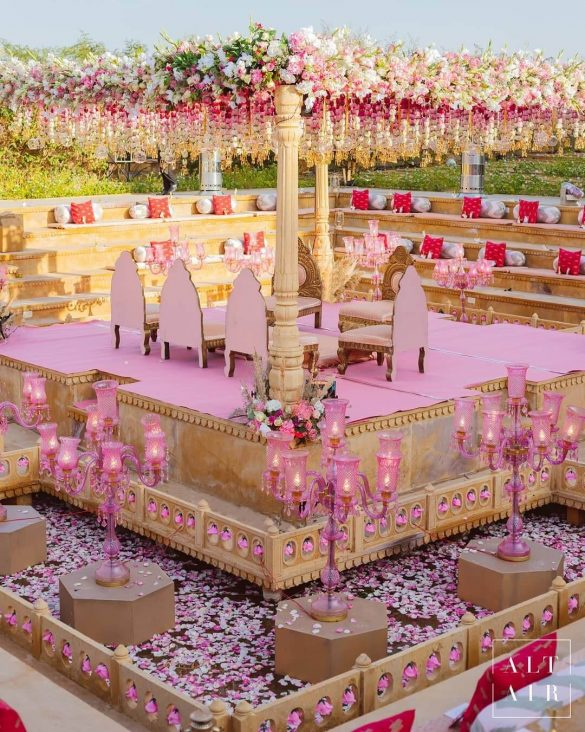Everything You Need to Know about Floral Decor for Glamorous Wedding Venue, p1