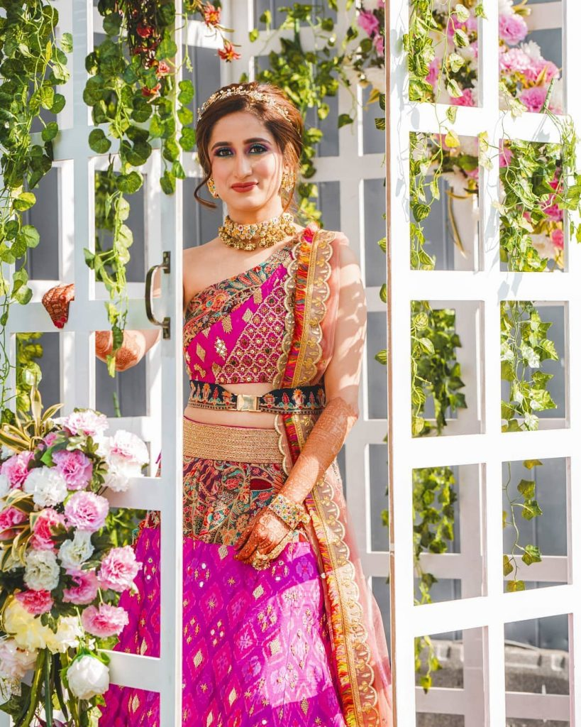 Real Brides Who Rocked In Off-Beat Mehendi Outfits You Have Never Seen Before!, theknottytales 1597388884898