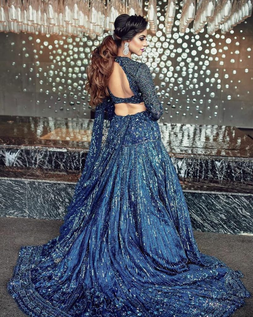 20 Gorgeous Bridal Trail Lehengas and Gowns That Made Our Jaws Drop!, weddingz.in weddingz.in 15967069715682