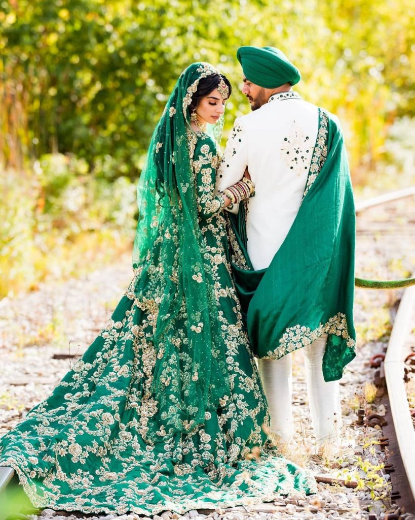 20 Gorgeous Bridal Trail Lehengas and Gowns That Made Our Jaws Drop!, wedmeplz wedmeplz 15967215652162