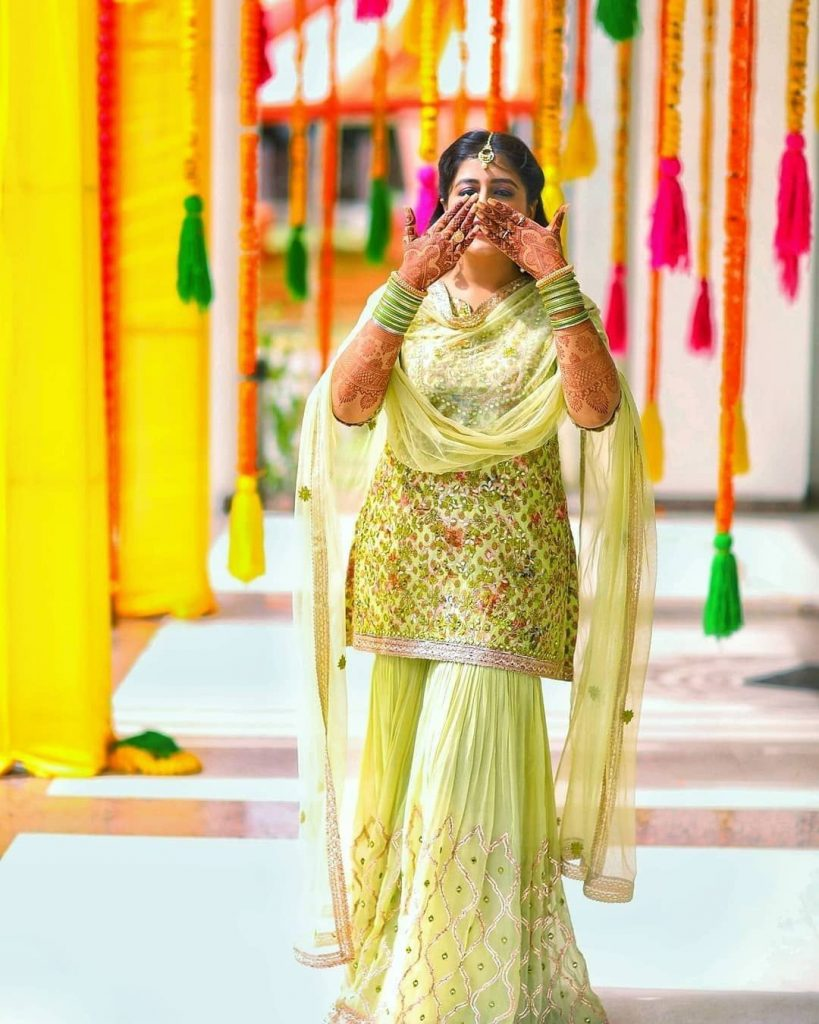 Real Brides Who Rocked In Off-Beat Mehendi Outfits You Have Never Seen Before!, wishnwed 1597398524727