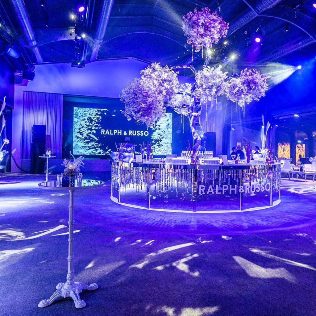 16 Vibrant Dance Floor Decor to Set that Twerky Rythm at Your Wedding, 1 111