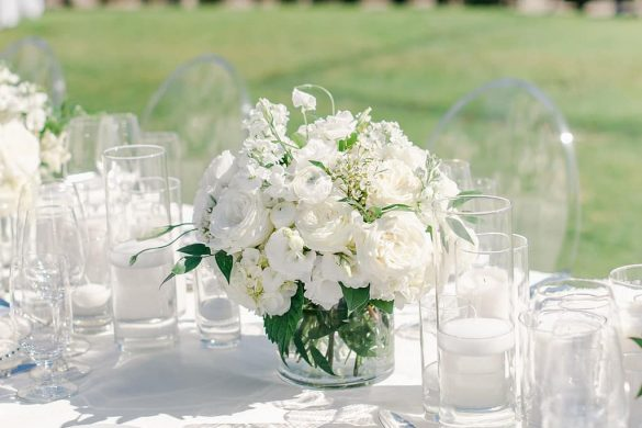Elegant Ways to Choose White Color Theme for Your Wedding Venue, 1 13