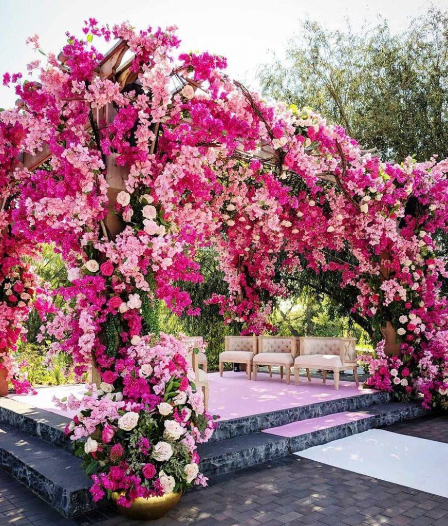 24 Enchanting Floral Mandap Decor for Planning OTT Indian Wedding, 1 142