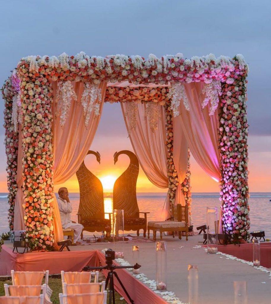 24 Enchanting Floral Mandap Decor for Planning OTT Indian Wedding, 1 162