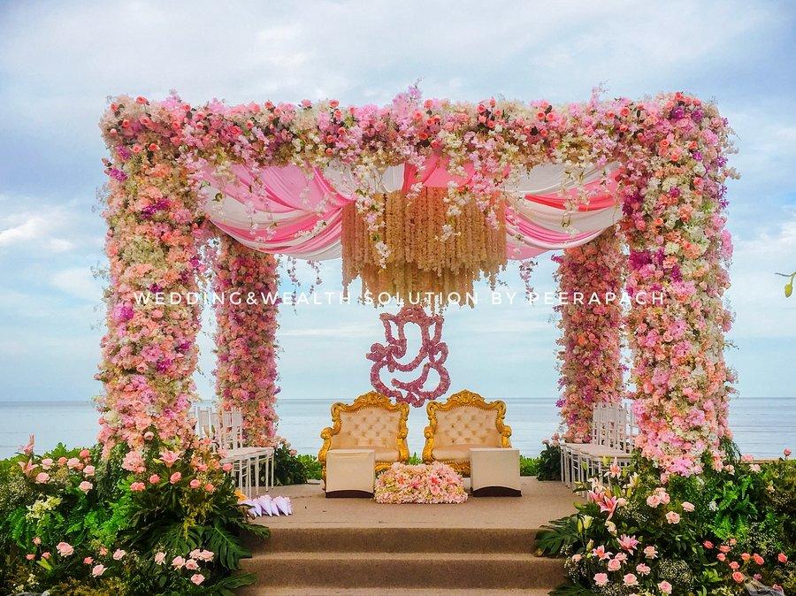 24 Enchanting Floral Mandap Decor for Planning OTT Indian Wedding, 1 164