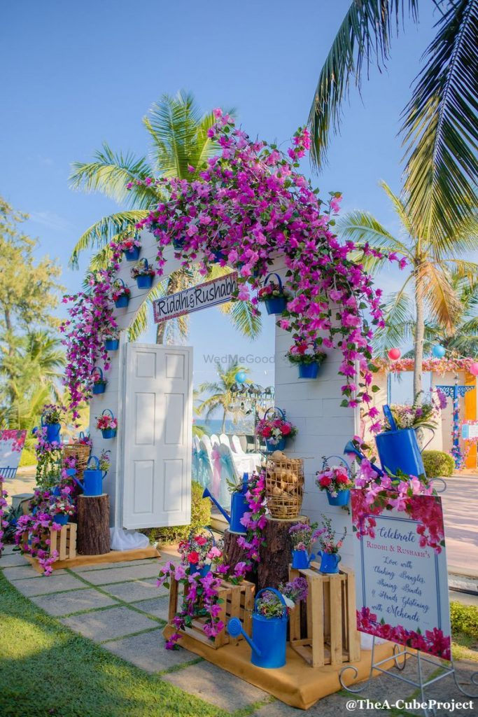 20 Floral Entrance Decor to Venue For Royal Weddings, 1 177