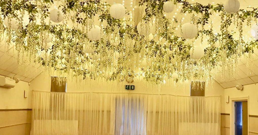 22 Mesmerising & Unique Ceiling Decor Ideas for Wedding Venue, 1 2