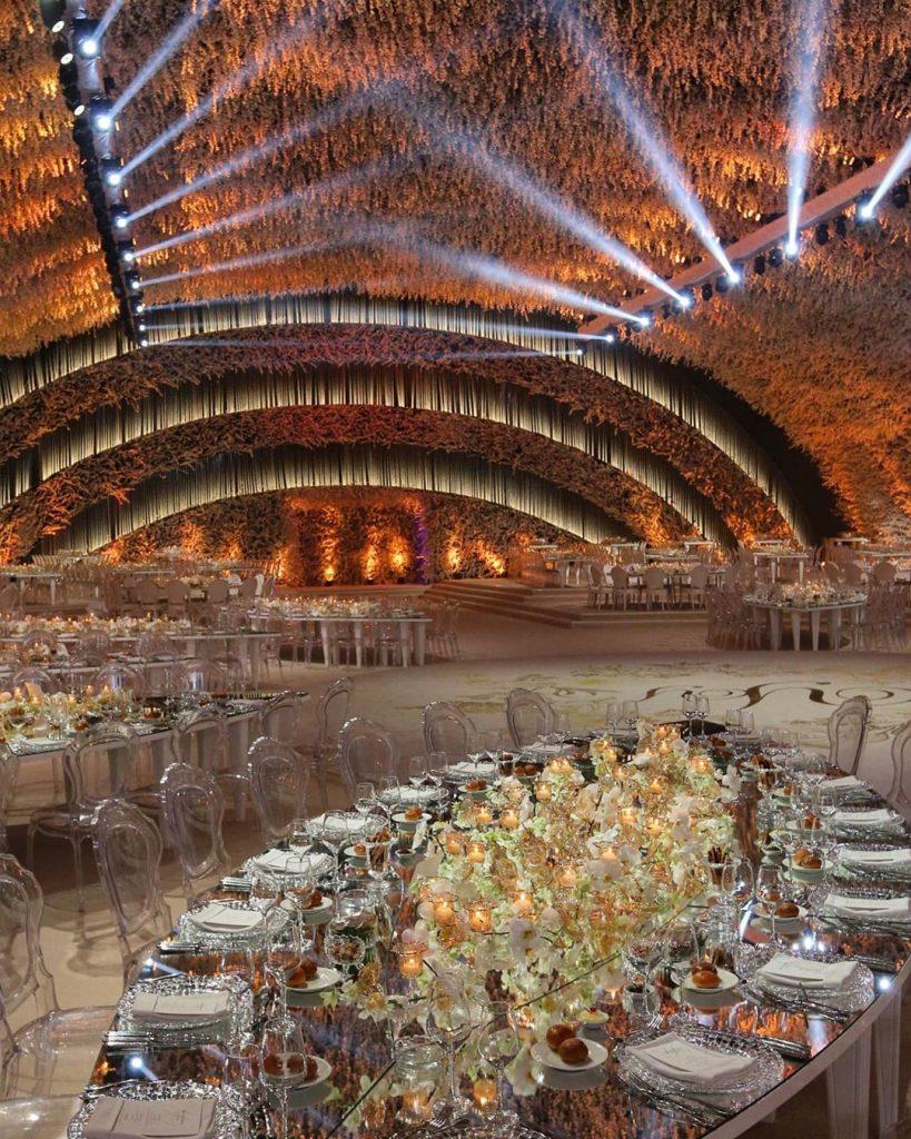 22 Mesmerising & Unique Ceiling Decor Ideas for Wedding Venue, 1 223