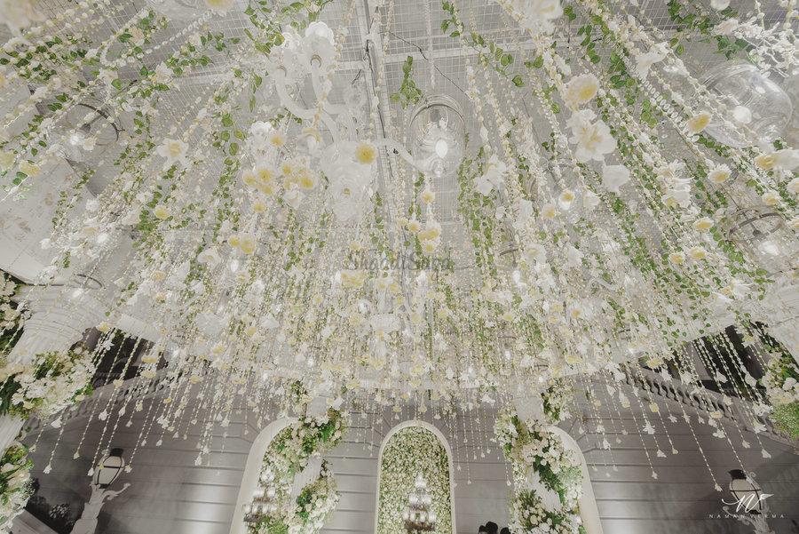 22 Mesmerising & Unique Ceiling Decor Ideas for Wedding Venue, 1 235