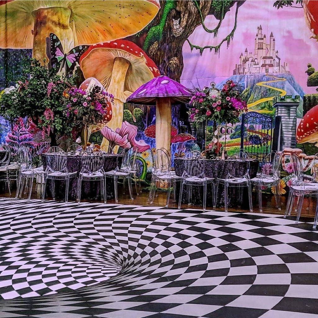22 Mesmerising & Unique Ceiling Decor Ideas for Wedding Venue, 1 237