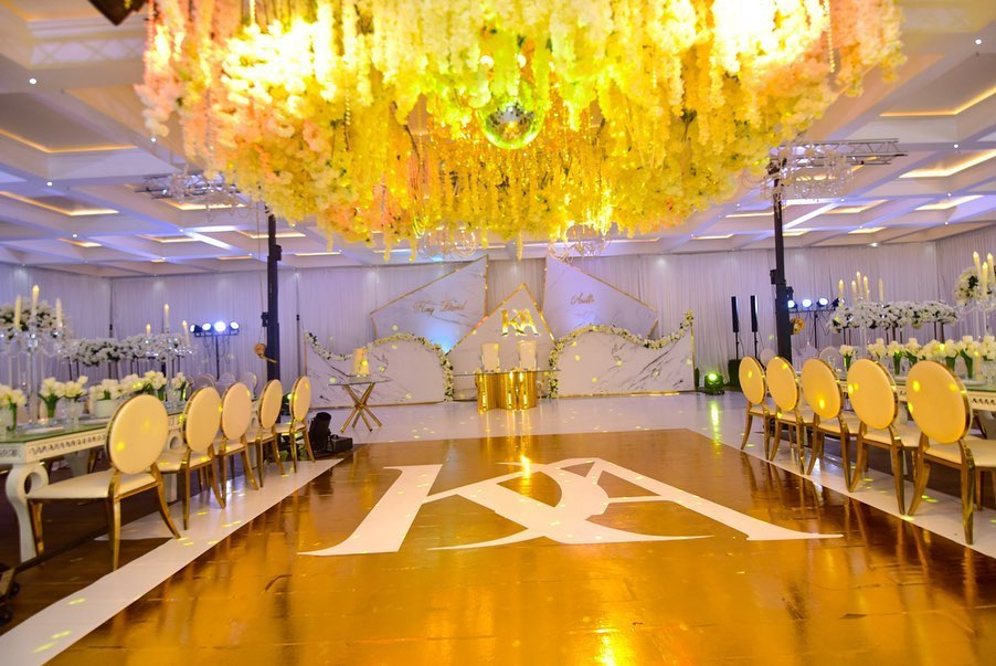22 Mesmerising & Unique Ceiling Decor Ideas for Wedding Venue, 1 239